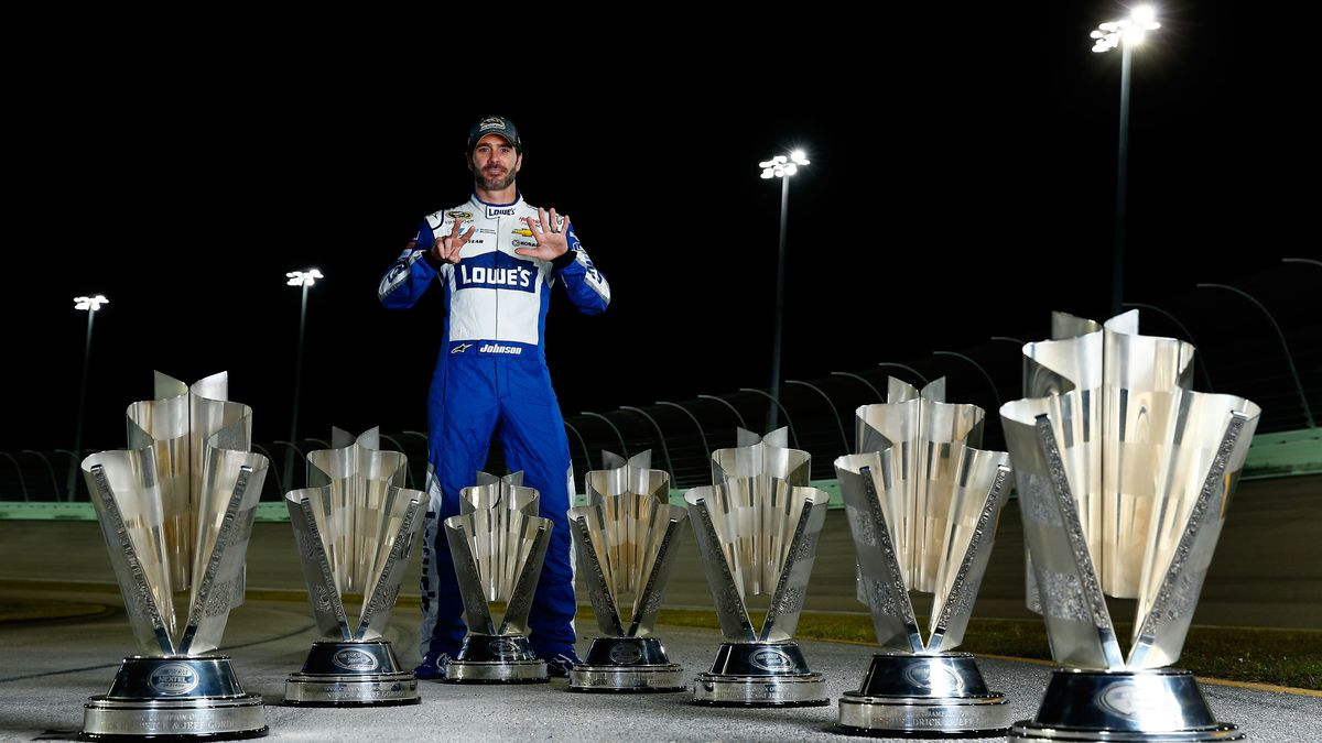 120316-nascar-jimmie-johnson.vresize.120