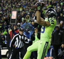 Watch Seahawks wideout Doug Baldwin embarrassingly confuse a Rams corner for a TD