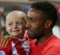 Boy with terminal cancer receives over 40,000 Christmas cards from soccer fans