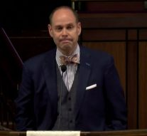 Ernie Johnson delivers heart-wrenching poem at Craig Sager's memorial