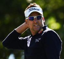 Poulter: Arnie signed 2nd $100 bill after wife spent first