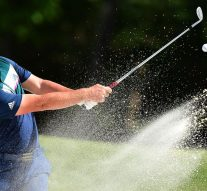 Rahm (69) stays aggressive on new course