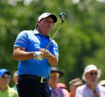 Mickelson watched 'just about every shot' of U.S. Open