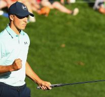 Short game keeping Spieth atop Travelers field