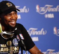 Reactions to Kevin Durant's decision to skip the Golden State Warriors' White House visit