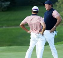 Mickelson-Kisner cap win with 'Three Amigos' dance