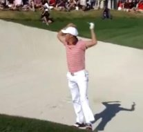 Watch: Thomas holes shot from bunker, goes bonkers