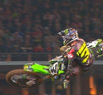 Eli Tomac dominates the 450 main in Arlington | 2018 MONSTER ENERGY SUPERCROSS